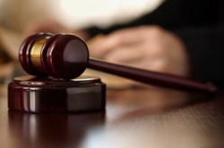 Staf Sionsberg wil sluiting via rechter tegenhouden