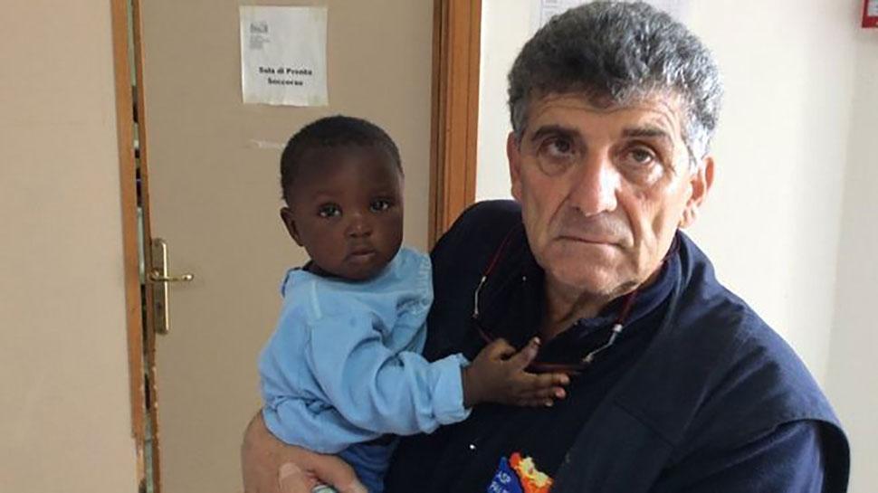 Arts wil geredde baby adopteren